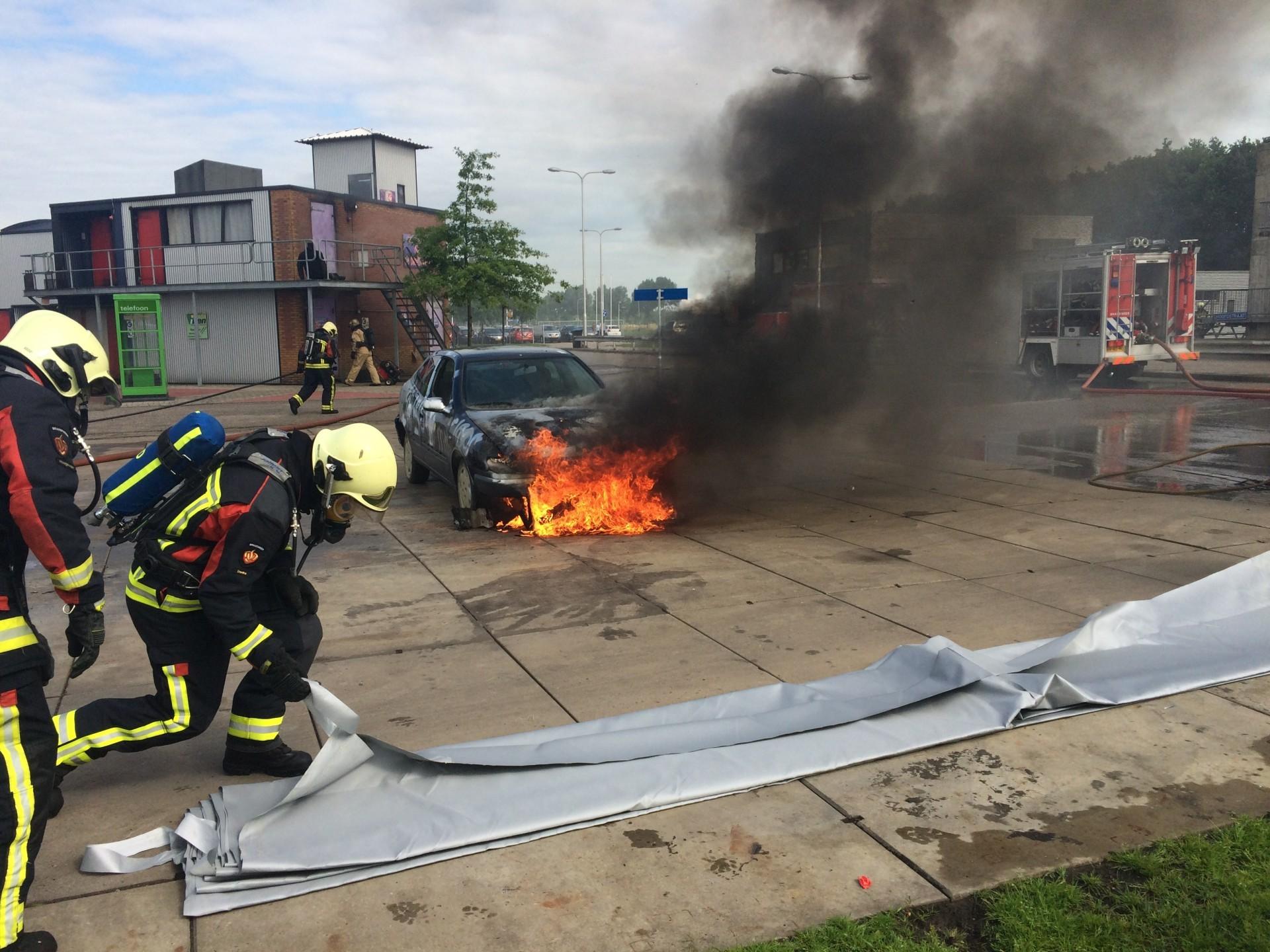 Löschen von Fahrzeugbränden